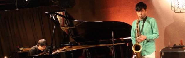 セクシーなテナーとセンスのいいピアノ…味わい深いステージ