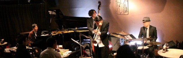 トランペットの求導師のような魂のこもった潔いジャズ