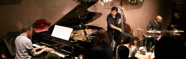 超満員の客席にさらに完成度の高まった凄いジャズ