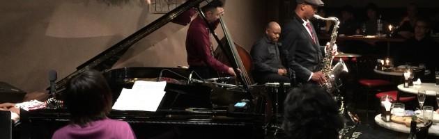 テナーの深い音色が素敵なストレートなジャズ