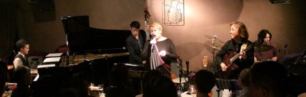 久々の「ギラ山ジル子」さんの懐かしい昭和の曲ステージ