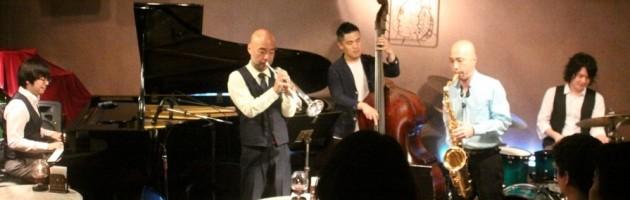 音色も演奏も息の合ったコンビネーションで選曲も素敵なジャズを堪能