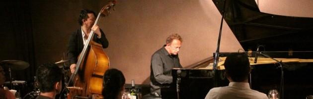 心が和んだピアノの申し子のような演奏とステージング