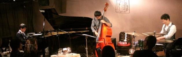 音楽も弾き姿もキャラも…端正という表現が素敵なトリオ