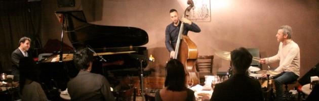 超絶テクから繰り出される音楽性の高い新しいジャズ世界