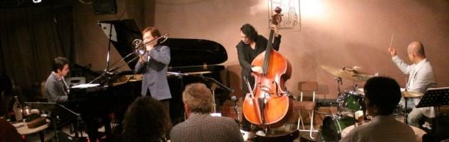 楽器を吹きこなす職人技と生音サウンドの心温まるステージ