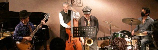 NYからの海野さんら多くのお仲間が集まって久々にジャズクラブの賑わい