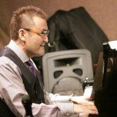 《Yutaka Shiina Trio》